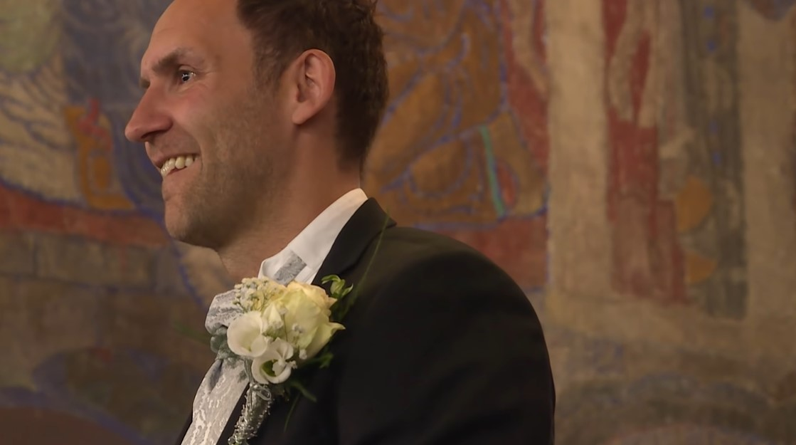 Dad Walks His Daughter Down The Aisle, Watch When She Lifts