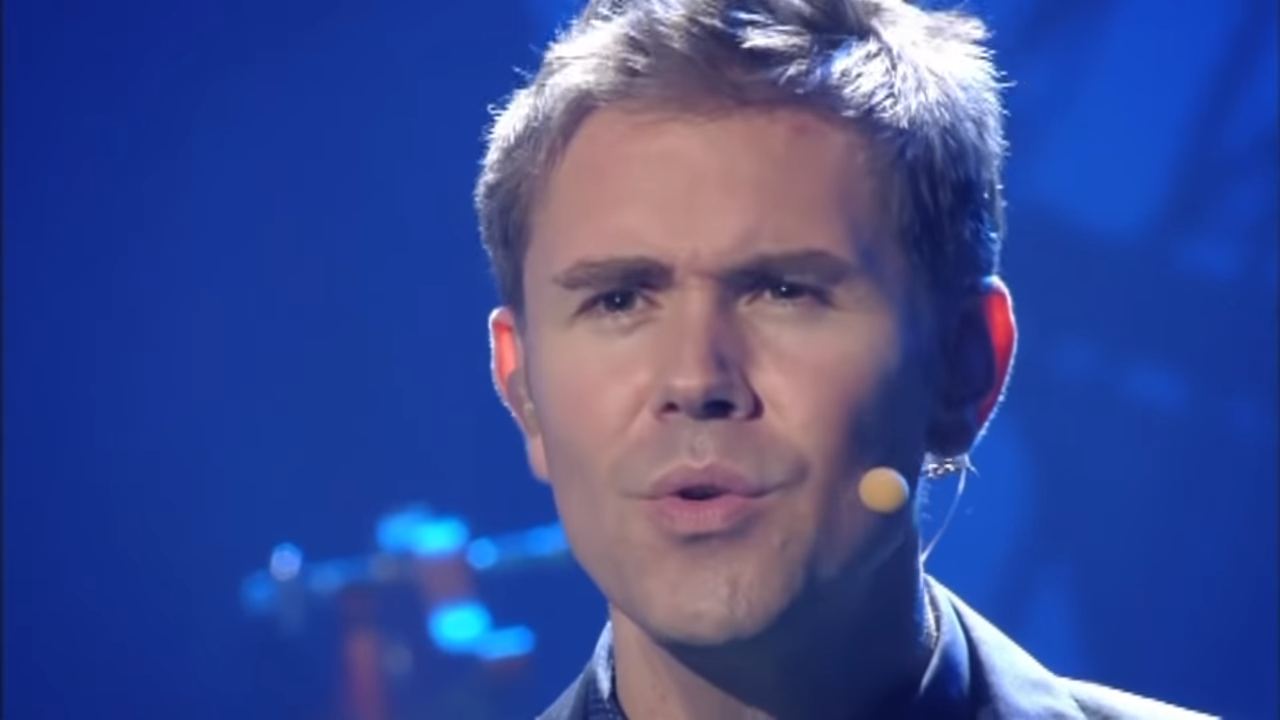 Celtic Thunder Voyage II - 'Hallelujah' 0-41 screenshot