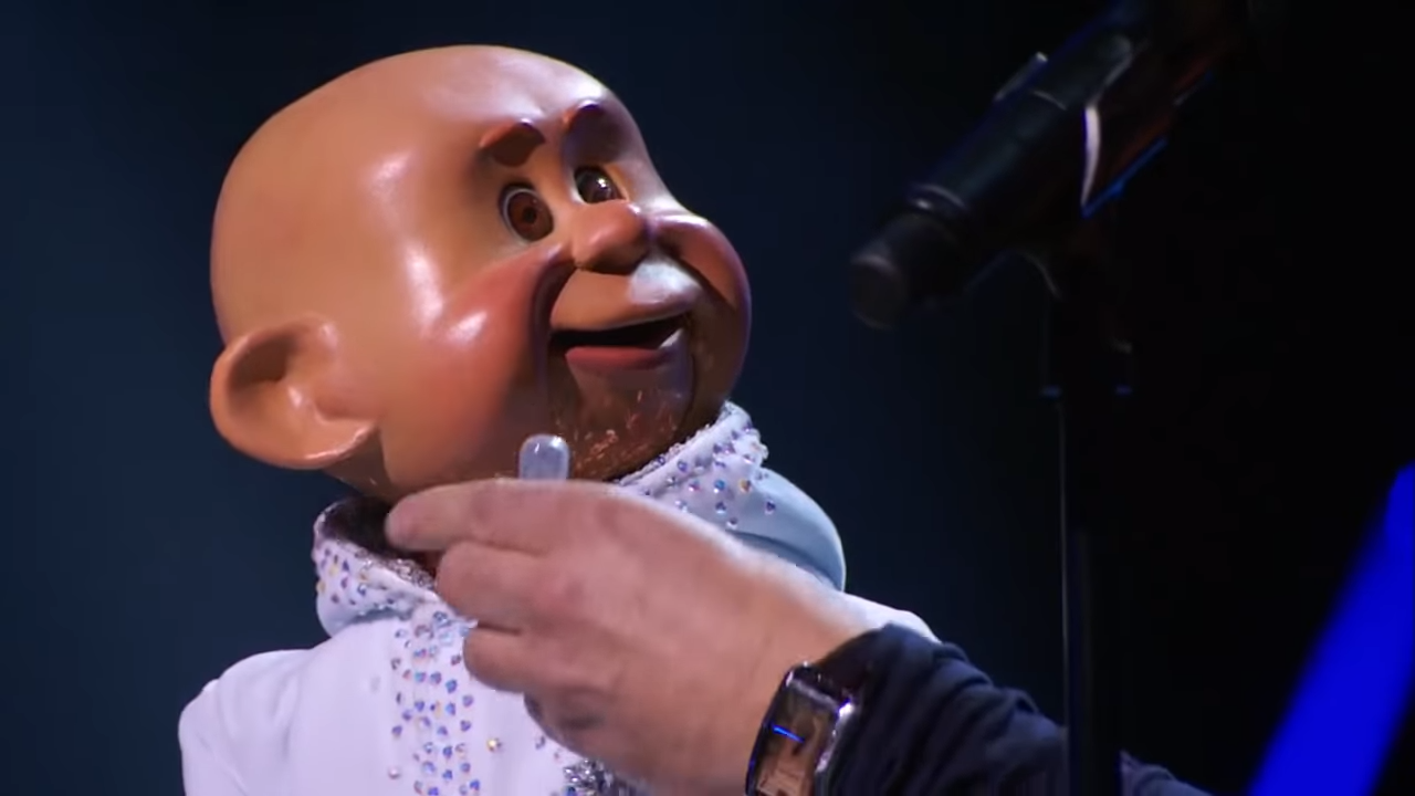 America's Got Talent 2015 S10E10 Judge Cuts - Paul Zerdin Ventriloquist 2-20 screenshot
