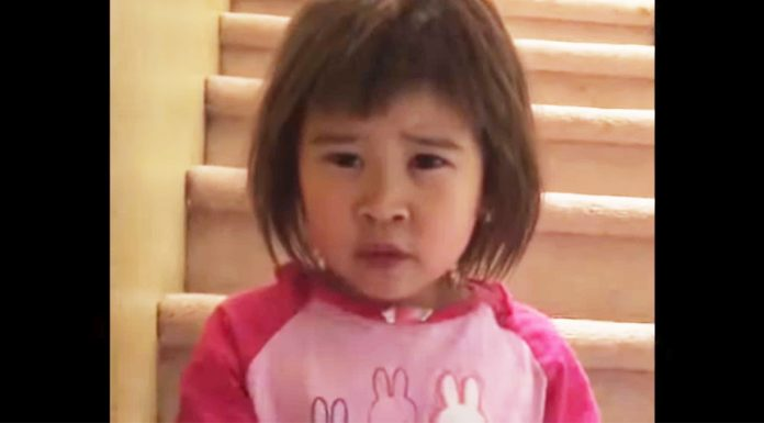 toddler give advice to mother