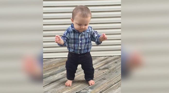 8-month-baby-first-steps