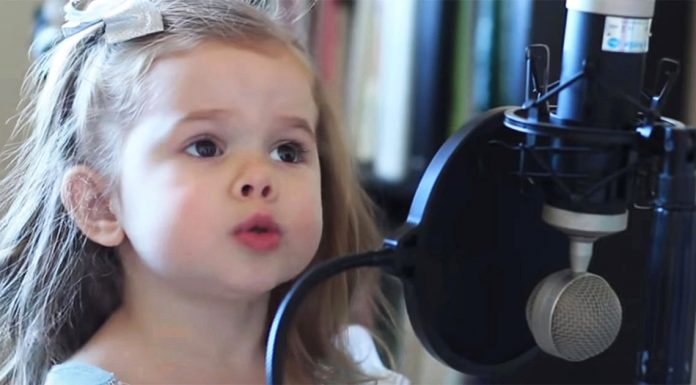3-yr-old-claire-sings