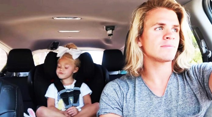 car-sing-along-father-daughter