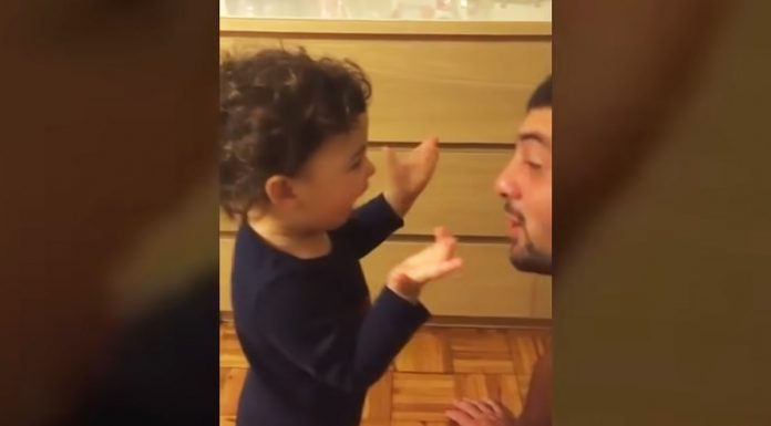 baby-argues-with-dad