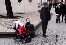 street-singer-and-baby