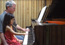 dad-daughter-piano-moments